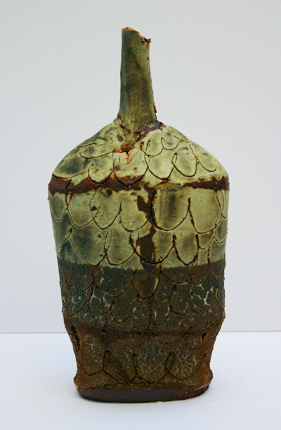 04-small-saltmarsh-bottle-with-scored-porcelain-overlay-2814cm.jpg