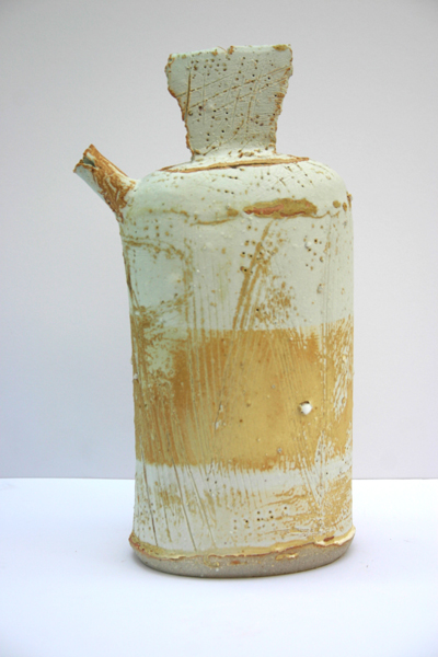 02-back-scored-chalk-beach-lidded-jar-with-spout-26cm-x-14cm.JPG