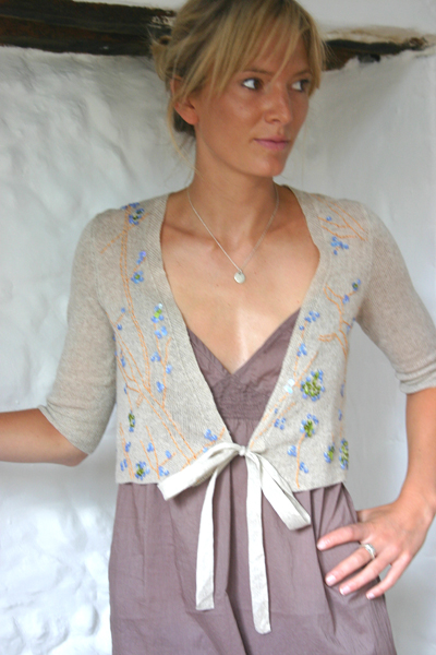 06-fig-with-sequins-ribbon-bolero-natural-linen-cashmere-mix-small.jpg