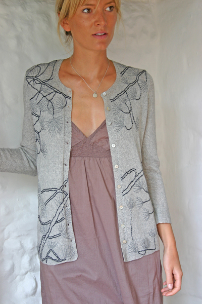 07-pine-tree-crew-cardigan-grey-mix-cotton-cashmere-small.jpg