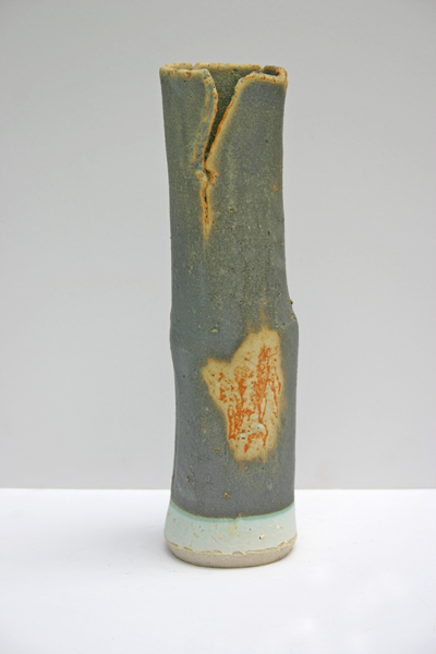 12-white-stoneware-vase-copper-tin-glaze-on-barium-29cm-x-9cmsmall.jpg