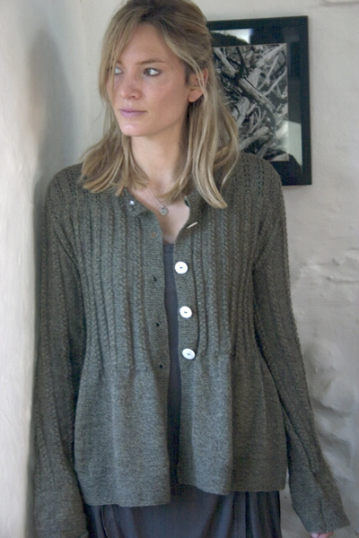 01small-fine-wool-cable-cardigan-green-brown-fleck.jpg