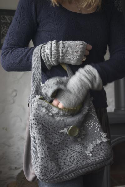 44-small-wool-soft-velvet-lined-bag-boreal-daphnes-grey.jpg