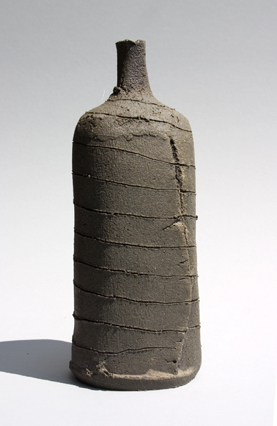 2008-anagama-scored-red-clay-bottle-25cm-x-10cm.jpg