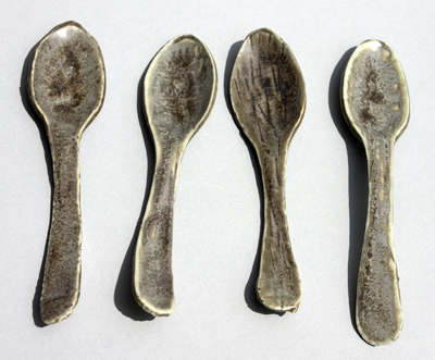 27-crystalline-grey-impressed-porcelain-spoons-15-to-14-cm-small.jpg