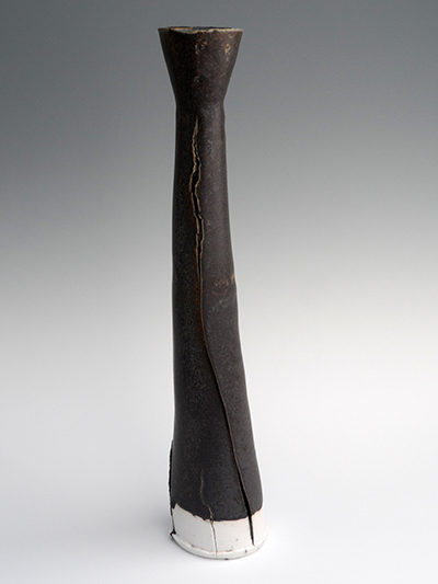01 saltmarsh black porcelain split pod vessel 40 x 8 cm