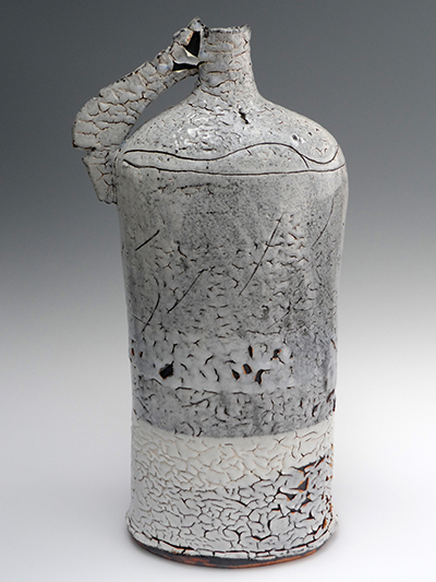 01 tall frozen snow flagon 51 x 22 cm
