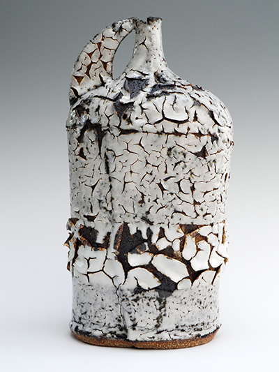 10 black ice flagon 26 x 13 cm