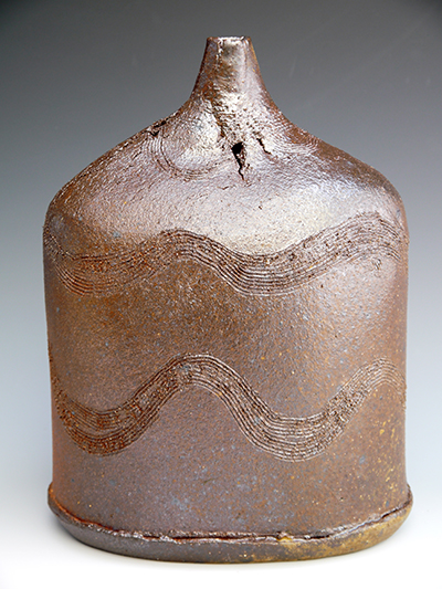 9 woodfired bottle with combing ash sheen 27 x 21 cm